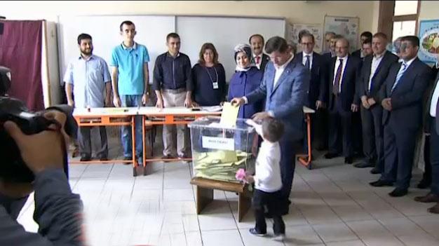 Davutoğlu Oyunu Konya'da Kullandı