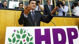 """Demirtaş: """"HDP Yüzde 10 Barajını Aşacak!"""""""